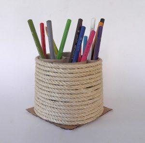 Pencil_holder_toilet_paper_tube_12