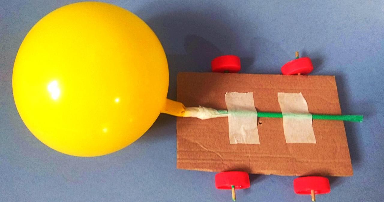 Αυτοκίνητο από μπαλόνι